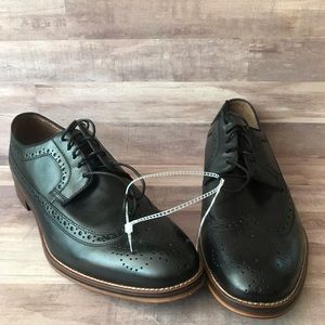 Johnston & Murphy black wingtip dress shoes 13M
